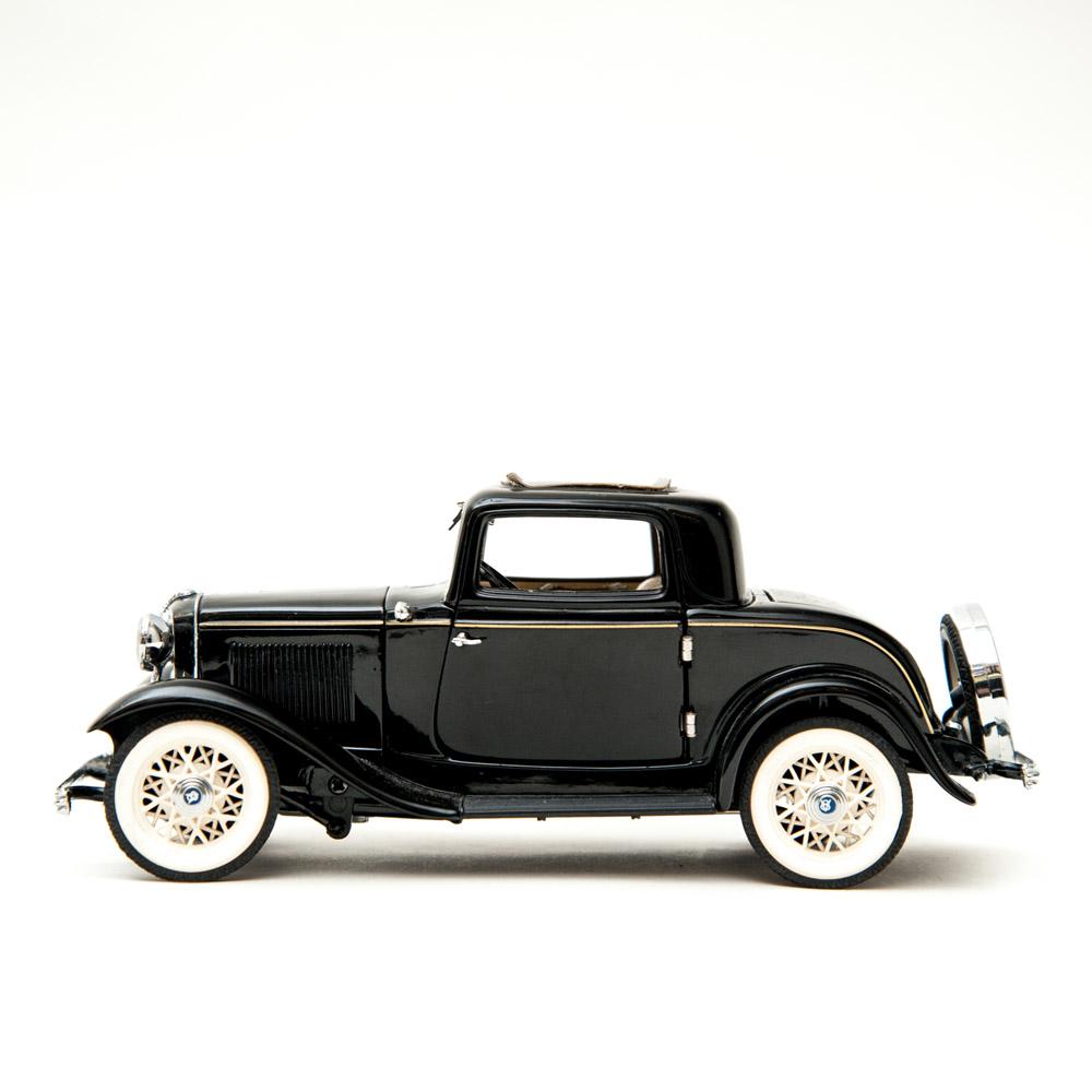 General store ltd home accessories vintage black car for Antique car decor